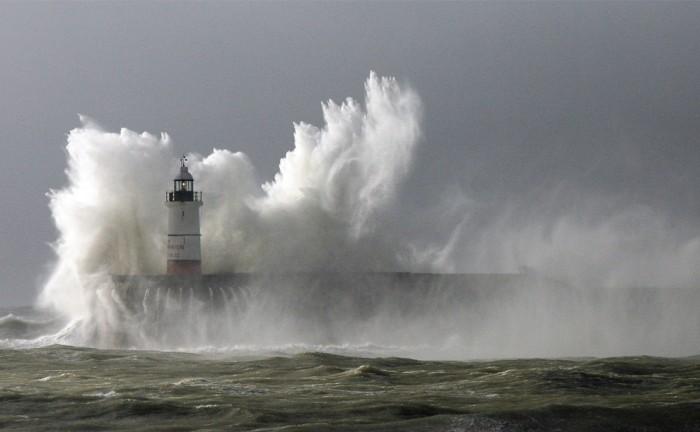 Resultado de imagem para ressaca no mar-fotos